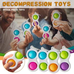 300 unids Fidget Fidget Simple Dimple Llavero Novel Push Pop Bubble Key Toys Toys Pop It Fidget Toy Anillos de juguete Anillos Estrés Relieve Ventilación Bola 2021 H2106
