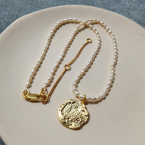 Chains Brass With 18K Gold Rhinestoned Carved Coins Charm Real Baroque Pearl Necklaces Punk Party Designer Club T Show Korea Japan
