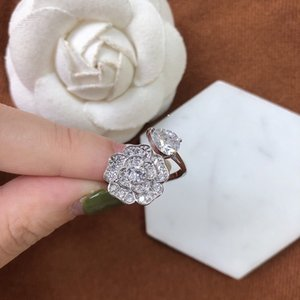 Xiangjia xiaoxiangfeng 2021 new open ring love stone flower set with Diamond Fashion temperament