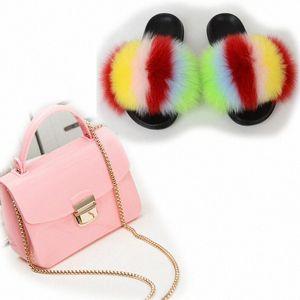 Chaussures de fourrure moelleuses Femme Sacs Sacs Femme Coloré Jelly Sac Mignon Pantoufles à fourrure Candy Brochebonne Bourse Dames Diapositives en peluche 45 J73T #