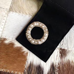 Woman Brooch with Diamond Top Quality Brooch High Quality Pink Red Brooch for Woman Wild Fashion Accessories Supply NRJ