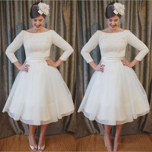 2021 Vintage A Line Short Wedding Dresses Lace Applique Tea Length A Line Scoop Neck 3 4 Long Sleeves Marriage Bridal Gown Plus Size