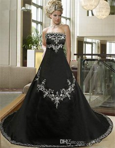 2021 Vintage Black A-Line Wedding Dresses With Embroidery Lace Up Back Bridal Gowns Strapless Custom Gothic Vestidos De Marriage Beading