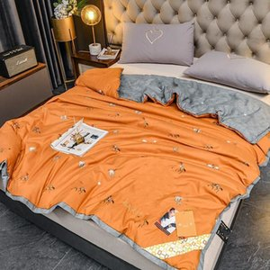 High quality Quilt Core Feather Comforter Core Thick Blanket Breathable Autumn Soft Bed Cover Luxurious Deisgner duvet