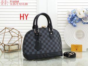 Luxurys Shoulder Louis vutton Bags Fashion Alma Bb Women Bag Designers Chain Messenger Leather Handbags Cross Body Shell Purse Ladies Cosmetic Crossbody Tote