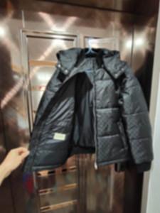 2021 New Winter Mens Jacket Fashion Man Designer Abiti Cagliata con cappuccio Tasche Lettera Camouflage Giacca pilota Mens Cappotti invernali Uomo Designer SWEA