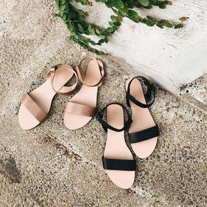 Nan Jiu Mountain Summer Sandálias Plana Mulheres Simples Brilhante Cor Buckle Studded Beach Shoes Plus Size
