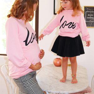 2021 New Maternity Pink Love Impreso Padre Suéter NIÑO
