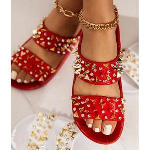 Siddons Nouvelle Arrivée Femmes Pantoufles Gold Spikes Studs Designer Womans Sumers Plage Chaussures Rivets Femelle Gladiator Pantoufles 210225
