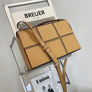 Female Plaid Tote Bag 2021 High-quality PU Leather Women's Designer Handbag Chain Shoulder Messenger Bag