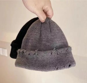 Mens Hats Autumn and Winter Beanies INS Fashion Solid Color Thickened Warm Knitted Wool Hats Perforated Hats