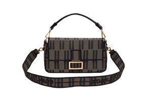 New F house old flower baguette bag female printing embroidery middle age shoulder messenger bag handbag