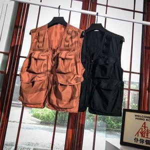 2020 Summer mens designer vest retro men vest vestidos de verano Camouflage tooling sleeveless Precision embroidery UK SIZE All-match tops_yr
