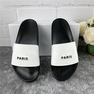 Paris Mens Sandales d'été Femmes Beach Slippers Pantoufles Dames Casual Chaussures Casual Sliders Sluffs Scuffs Cuir Solid Couleur 36-46 avec boîte