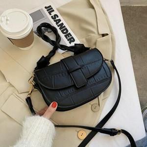 Крестное тело Высококачественная сумка Женщина 2021 Мода односвязки с небольшим ПЭС CC