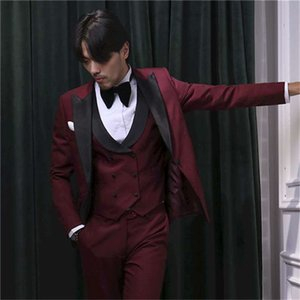 Popular Groomsmen Burgundy Groom Tuxedos Peak Black Lapel Men Suits Wedding Prom Dinner Best Man Blazer ( Jacket+Pants+Tie+Vest ) G236