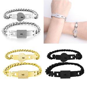 Luxury Designer Two Pieces Tone Rvs Lover Heart Love Castle Bracelet with Key Bracelets Kit Couple Jewelry Poison