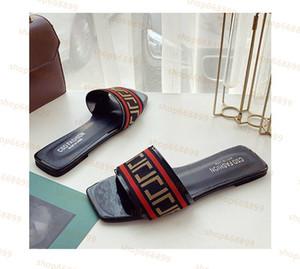 Shoes Leadcat Fental Rihanna Обувь для женщин Тапочки Крытые Сандалии Девушки Мода Разребки Белый Серый Розовый Черный Слайд