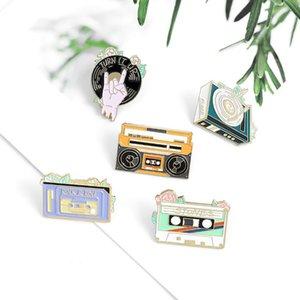 Antiga fita de moda rádio rock design especial de enamel agulha vinil disco nostalgia broche copo dos desenhos animados lapela pino presente de crachá