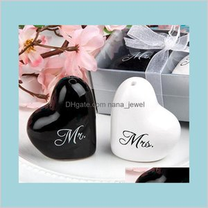 Wedding Favor Mr. & Mrs. Black And White Salt & Pepper Shakers (1Set=2Pcs) Wholesale 4Qbec Voz3S
