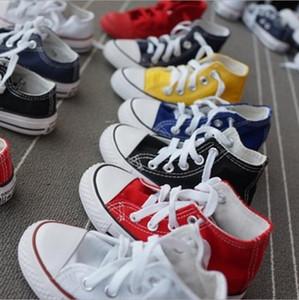 Promotionnelle vente chaude des enfants chaussures de toile à la mode haute basse chaussures garçons et filles sportives chaussure de toile classique taille 23-34