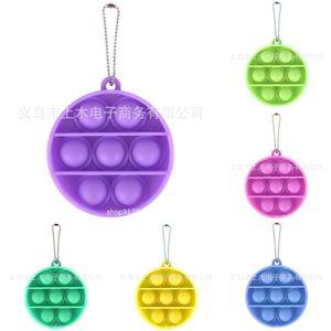 8colors Redondo Pop Fidget Toys Pelitt Pinde Kids Adultos Novela Push Push Bubble Board juego Sensory Toy Charms Ansiedad Estrés Relevante Regalos H38T6PV