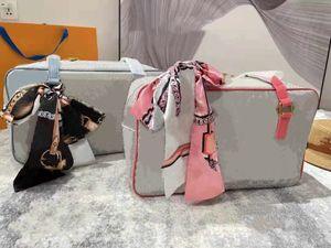 Высочайшее качество Женщина Luxurys Дизайнеры Crossbody Сумки Кошелек Рюкзак Сумки Кошельки Держатель Карты Держатель Сумка Плеча Tote 1173