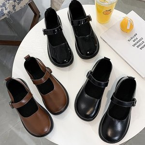 Spring Autumn Lolita Shoes Buckle Mary Janes Shoes Patent Leather Shallow Woman Flats Girls Shoes Size 34-40 mujer 8679N