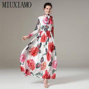 Miuximao 2021 İlkbahar Yaz Yeni Sevimli Kırmızı Çiçek Baskı O-Boyun Zarif Tam Kollu Rahat Maxi Elbise Kadınlar Vestidos Eşarp