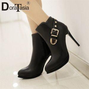 Doratasia New Sexy Boots Donne Decorazione Donne Della Moda Donna Sottile Tacchi alti Scarpe Donna Party Office Stivaletti da ufficio 2020 G6Uz #
