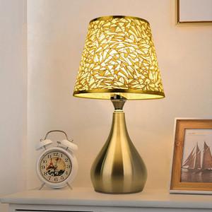 E27 Semplice lampada da tavolo Soggiorno Soggiorno Studio Camera da letto Bedside in ferro battuto Led Night Light Bedside Lamp Lampada da letto Decorazione della camera da letto