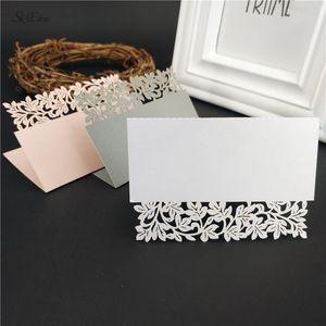 25pcs Hollow Out Luxury Table Table Name Place Cards Christmas Birthday Party Decorazione da tavolo Decorazione di matrimonio Invita carte Preferisco 5Z
