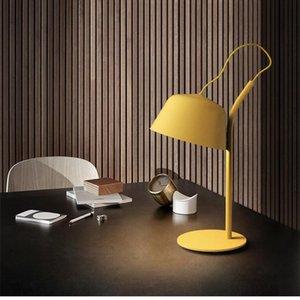Nordic Personality Multicolor Macaron Lampada da tavolo Macaron Creative Art Living Room Lights Designer Studio Bar Hotel Letto Light