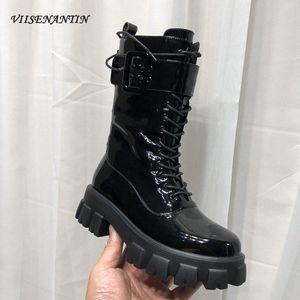 VIENENANTIN 2020 Herbst Winter Neue Stiefel Womens Glänzende Leder Dicke Sohlen-Plattform Schuhe Schnalle Gürtel Dekor Schnüren Sie Booties Q3RZ #