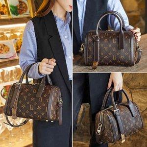 Hong Kong Pillow Bag 2021 New Fashion Versatile Leather Boston Women's One Shoulder Messenger Hand