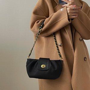 simple design shoulder bag Black purse Retro style Baguette messenger bags women's handbag new designer Clouds
