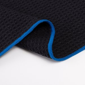 16*25 Inch Golf Towel Black with Carabiner Clip Microfiber Waffle Pattern Sports Towel Outdoor Quick Drying Face Towel for Men