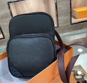 Moda de impressão de carta de desenhista de sacos de peito masculino com zíper retro cuidadosamente projetado interior de alta qualidade na moda saco de cintura wf2103161