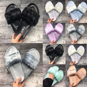 Classici femminili Tenere caldi pantofole invernali Donne Fenti Rihanna Sandali Peluche Sandali Skills Slifts Scarpe Moda ragazza Mocassini Flip flop