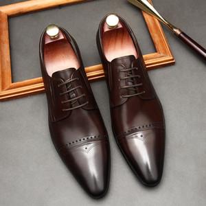 패션 레이스 위로 뾰족한 발가락 왁싱 공정 정품 가죽 남자 드레스 신발 중공 새겨진 된 남성 공식 신발 웨딩 신발 남자 G51
