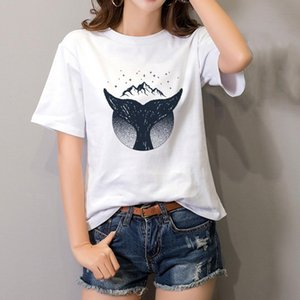 Whale and Moon Women T-Shirts Moon Tops Tee for Gothic Girl Pastel Goth Aesthetic Clothing Cotton Short Tshirt Hipster