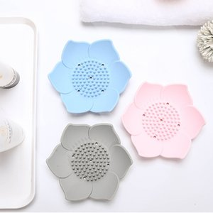 Flower Silicone Soap Tray Lotus Shape Draining Soap Dish Holder Portable Soaps Dishes Toilet Bathroom Accessories GWD5245