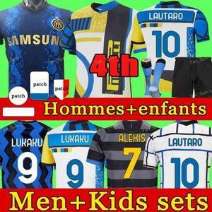 Inter Fútbol Jersey Lukaku Milán Vidal Barella Lautaro Eriksen Alexis Hakimi 21 22 Camisa de fútbol 2021 2022 Uniformes Men + Kit Kit 4to cuarto