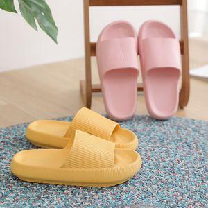 Femmes Summer Pantoufles Couple Couple Couple Epais Bas Fashion Chaussures Salle de Bains Maison Soft Hommes Mesdames Garçons Girls Sandales 210225