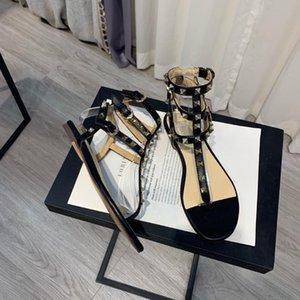 Сандалии женские классические шипованные гладиаторы натуральная кожа плоская обувь черный
