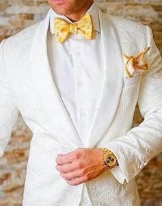 2021 Fashion Men White Wedding Tuxedos Lace Two Piece Suit One Button Shawl Lapel Male Groom Wear Mens Suits Blazers (Jacket+Pants)