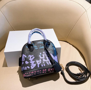 2021 المصممين الفاخرة أكياس شل حقيبة يد السيدات سهلة crossbody الأزياء حقيبة أعلى جودة حقائب اليد المحافظ النساء اليد مع مربع