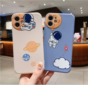 Space astronaut, street fashion couple phone cases for iphone13 pro max 12 min 11 X XR XS 6 6s 7 8 PLUS SE case cover
