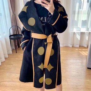 Женская шерсть смешивает осень зима Outerwaer модная мода классическая буква шаблон женские пальто халата стиль высокого качества