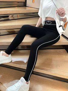 Pantaloni da donna Pantaloni Primavera Stile Autunno Style Syn Slim Pant Sweables Outwears Vita alta Sport Capris con lettere stampate Bottoms Taglia S-L